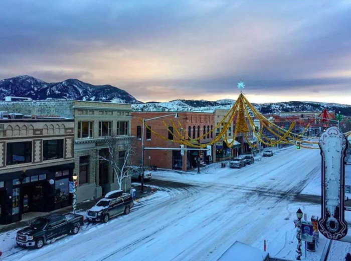 Shopping In Bozeman Mt >> At Christmastime Bozeman Montana Has The Most Enchanting