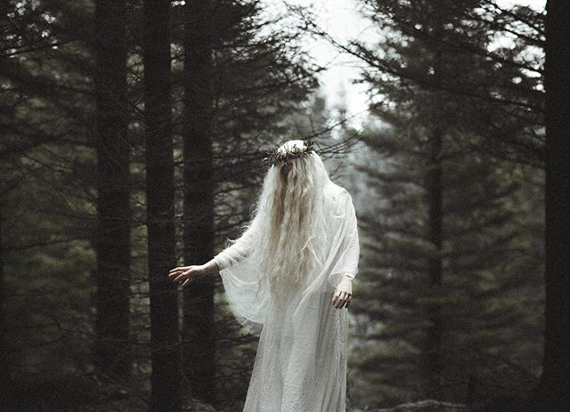 Huldra Also Known As Skogsra Or Ulda Is A Beautiful Forest Creature In Scandinavian Folklore Almost Like A Mermaid She Lures People