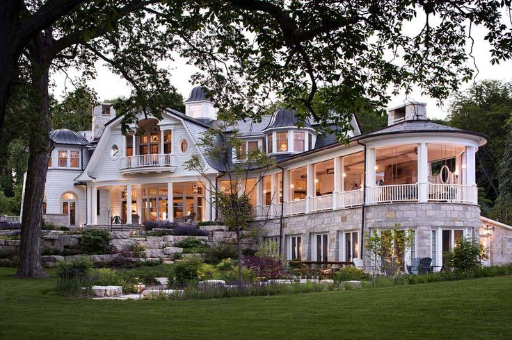 Whimsical shingle-style home features fabulous living on Lake Geneva – #exterior…
