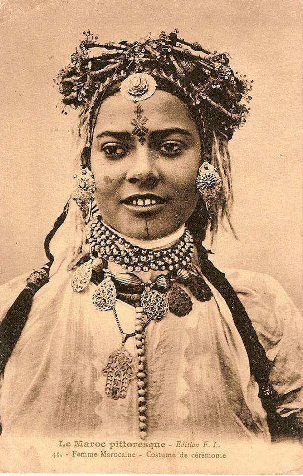 Moroccan woman - Ceremonial costume #morocco #moroccan # ...