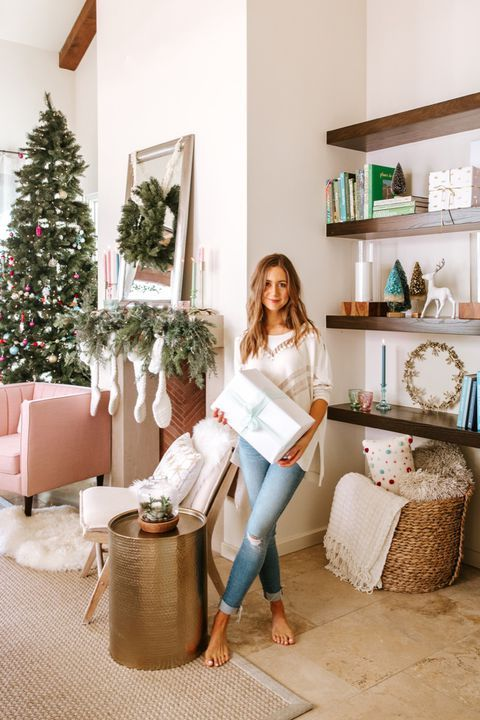 Image holiday traditions beautiful homes decor christmas decorations house of beauty also how to decorate for like blogger camille styles rh pinterest