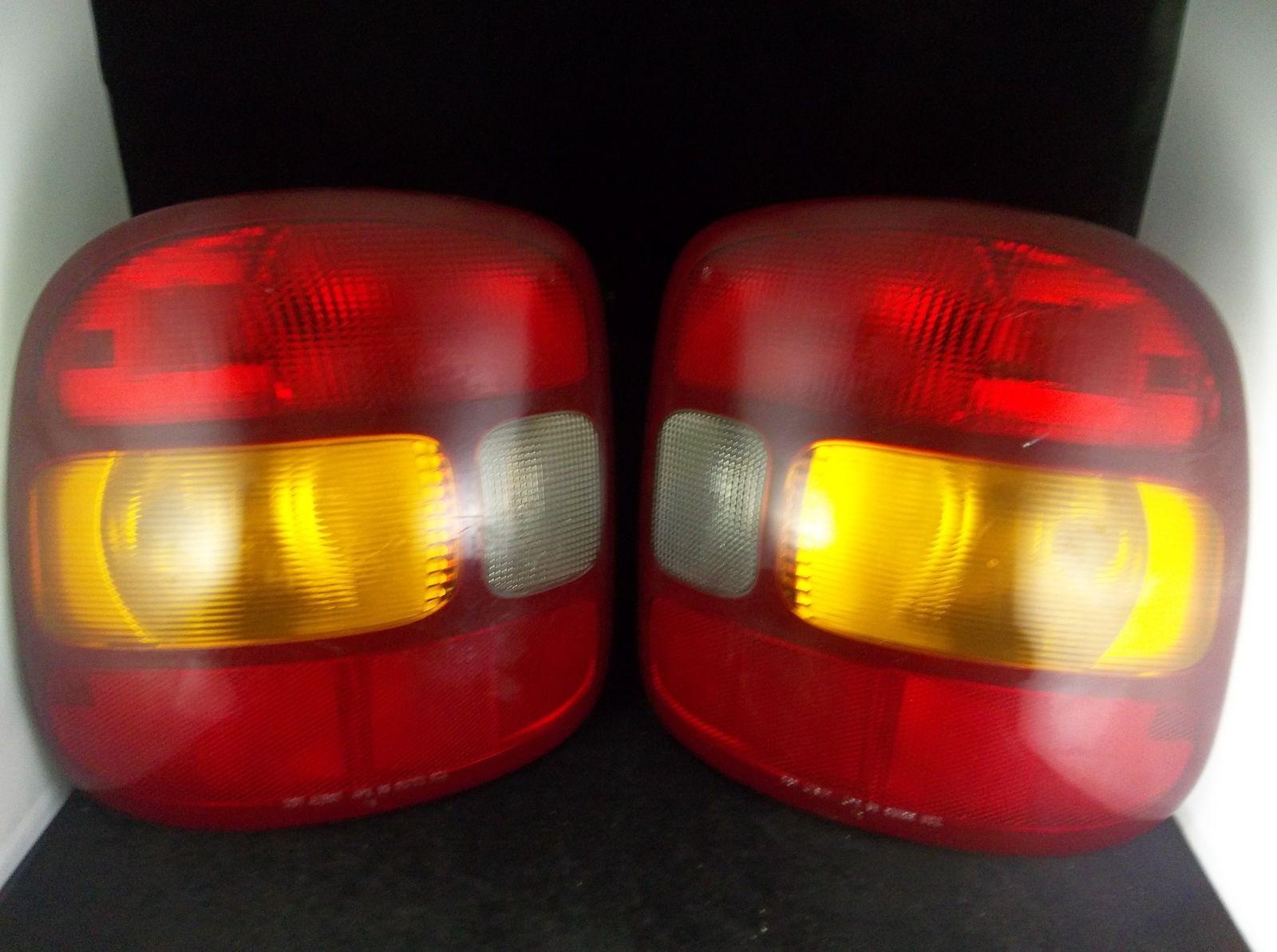 1999 2003 Chevrolet Silverado Gmc Sierra Stepside Tail Lights Pair Oem 16524913a Chevrolet Silverado Tail Light Silverado