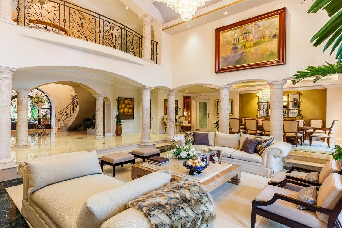Pin By Glory To God Pohl On Casas Mansion Living Mansion Living Room Luxury Homes