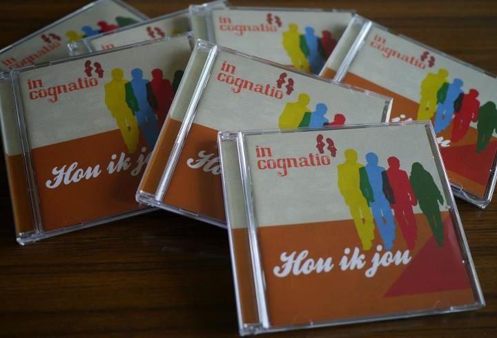 De CD  10 euro  Na het beluisteren van de CD zul je op vrolijke wijze geheel anders, vernieuwend naar je partner kijken. Het leven een stuk aangenamer!