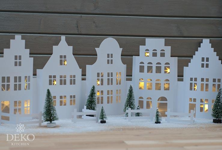 DIY: weihnachtliche Fensterdeko mit hübscher Häuse
