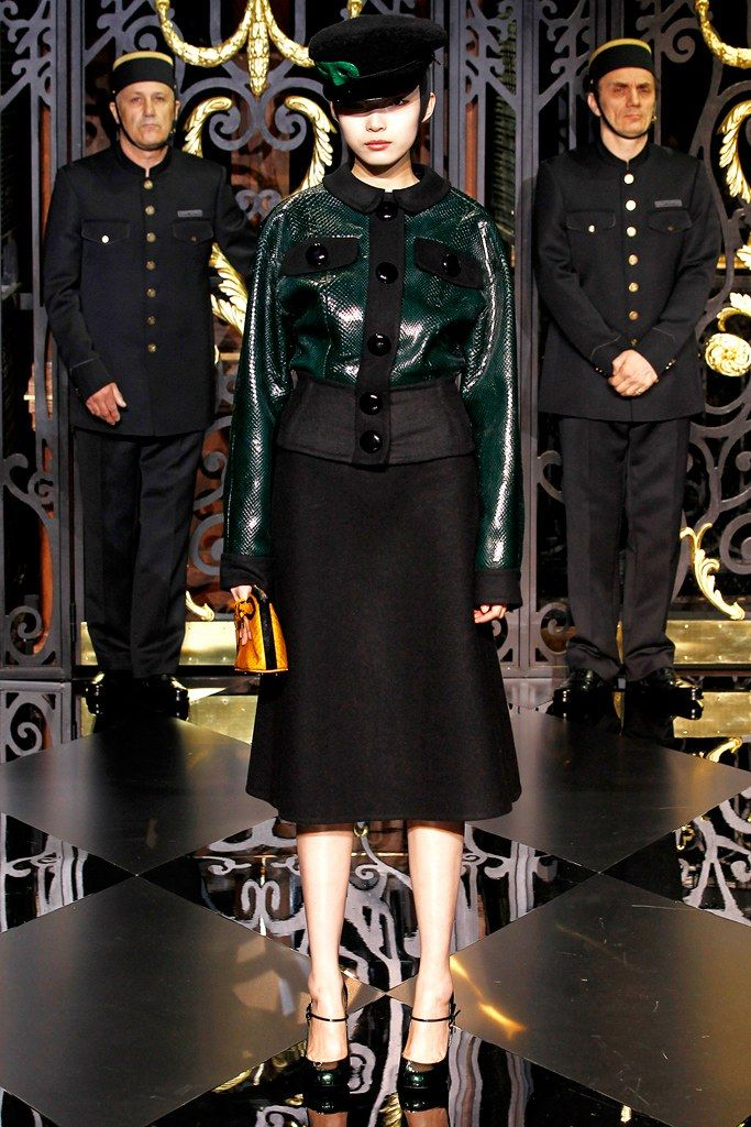 Louis Vuitton Fall 2011 Ready-to-Wear Fashion Show - Xiao Wen Ju (IMG)