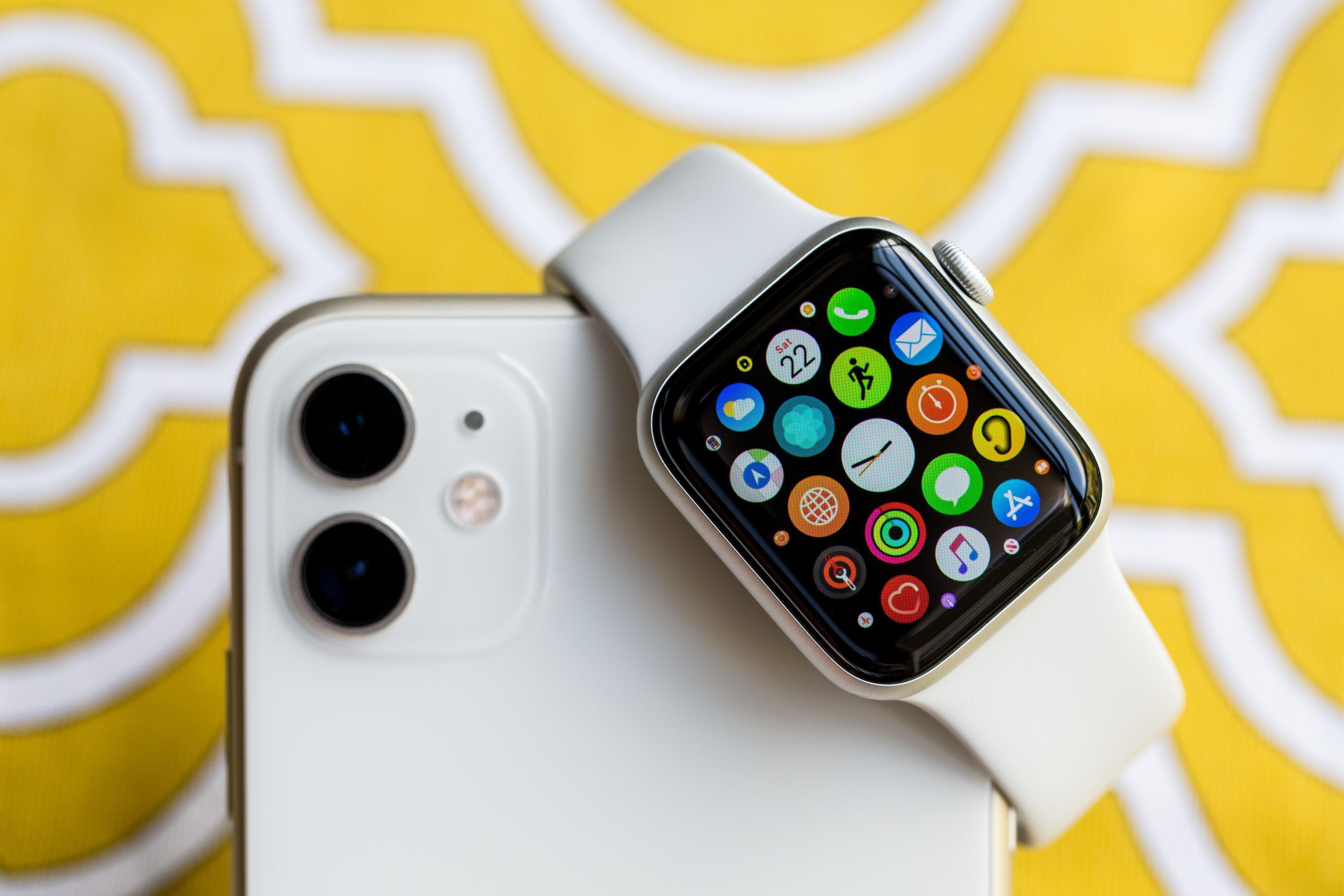 Apple Watch 7 Settings You Should Change Right Away Apple Watch Apps New Apple Watch Apple Watch Waterproof