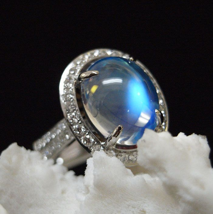 Denny Wong 18K Moonstone Ring