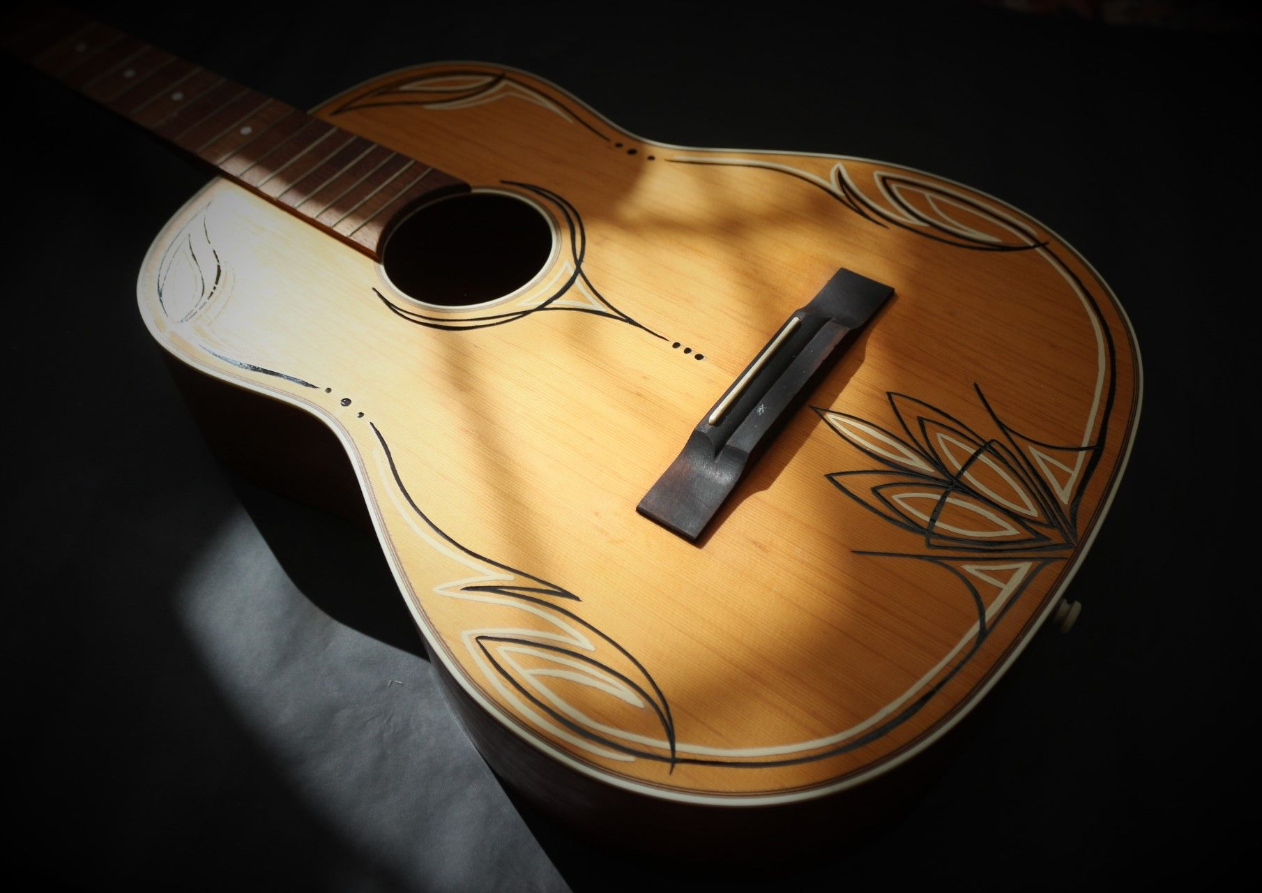 Pinstriped Acoustic Guitar Custom Acoustic Guitars Guitar Acoustic Guitar