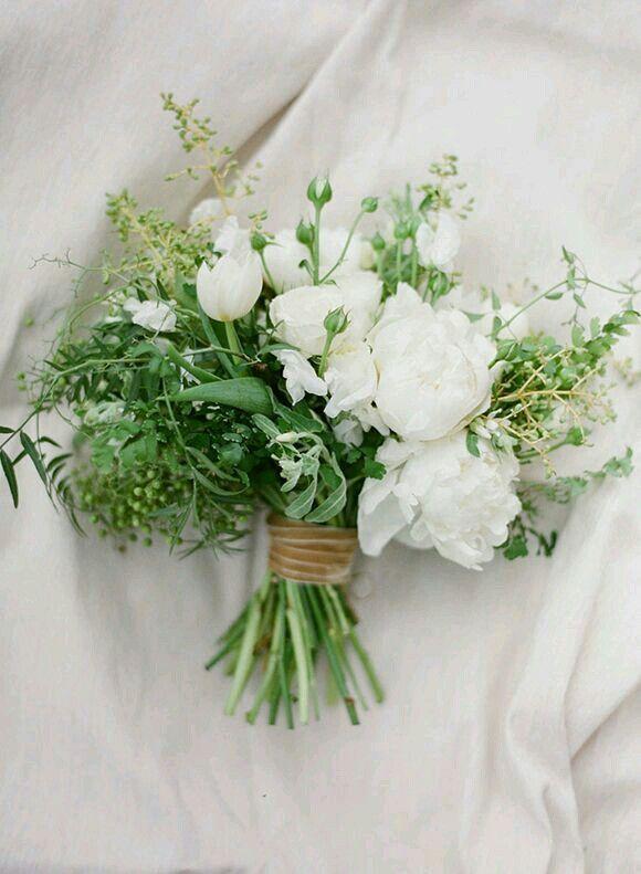 Minimalist White Flower Bouquet Wedding Bouquets Wedding Flowers White Wedding Flowers