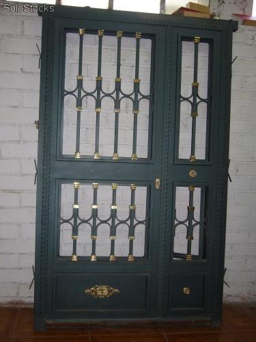 Puerta de entrada forja y laton 375 500 for Puertas principales de hierro para casas