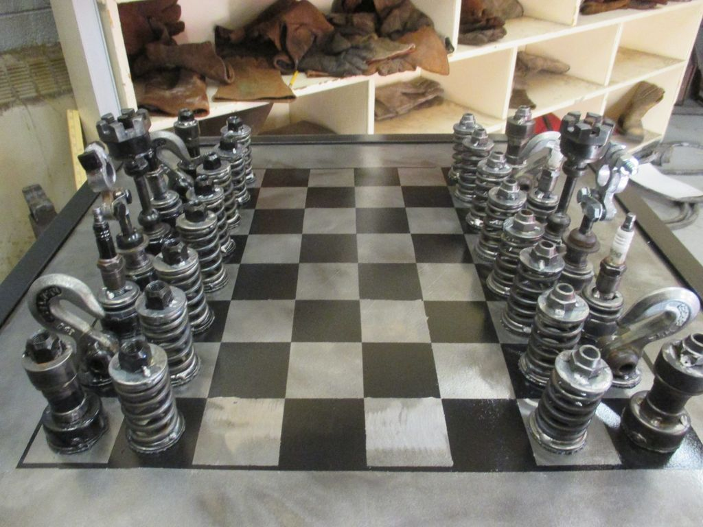 Car Part Chess Set Pomysly Do Domu Pinterest Chess Sets