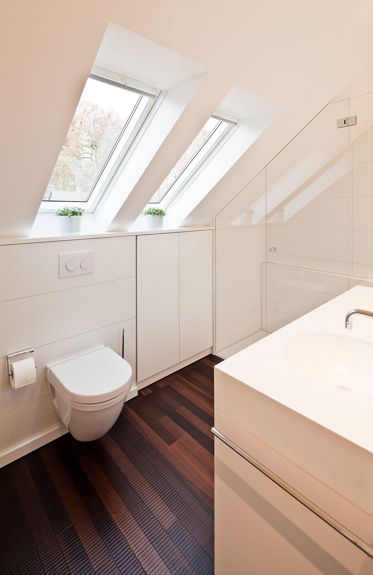 Badezimmer mit Schräge renovieren   Raumfabrik ...