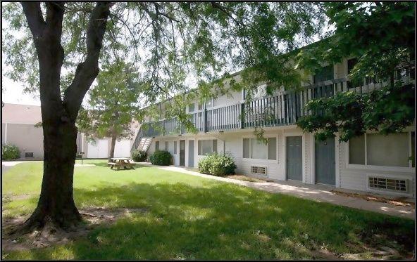 Pawnee Park Apartments Reviews Studio For Rent In Wichita Ks Apartment Apartment Room Rent