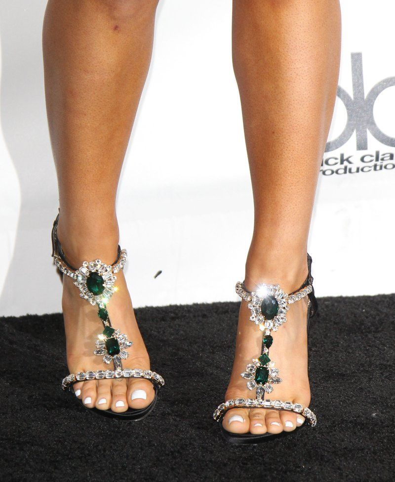 Ariana Grandes Legs And Feet 23 Sexiest Celebrity Legs And Feet