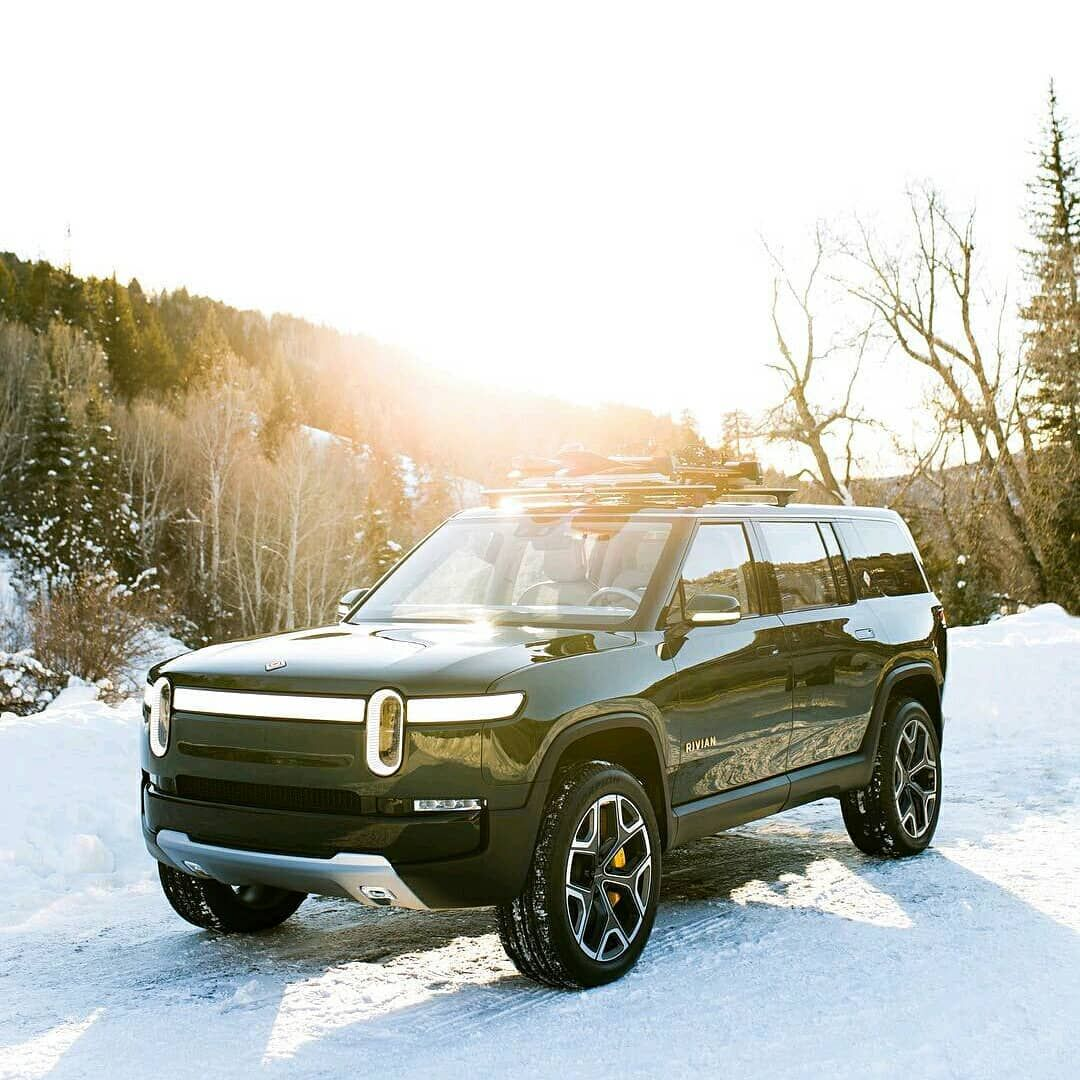 """""""It's not a Defender but..."""" 2021 Rivian R1S a 750 HP all"""