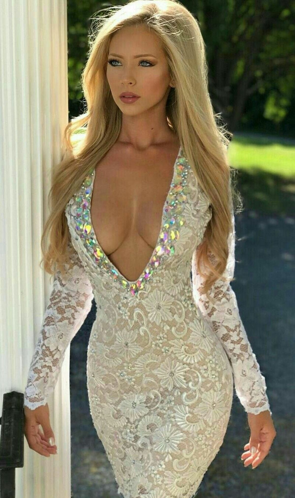 Wow Amanda Taylor is definitely a modern day Helen of troy because