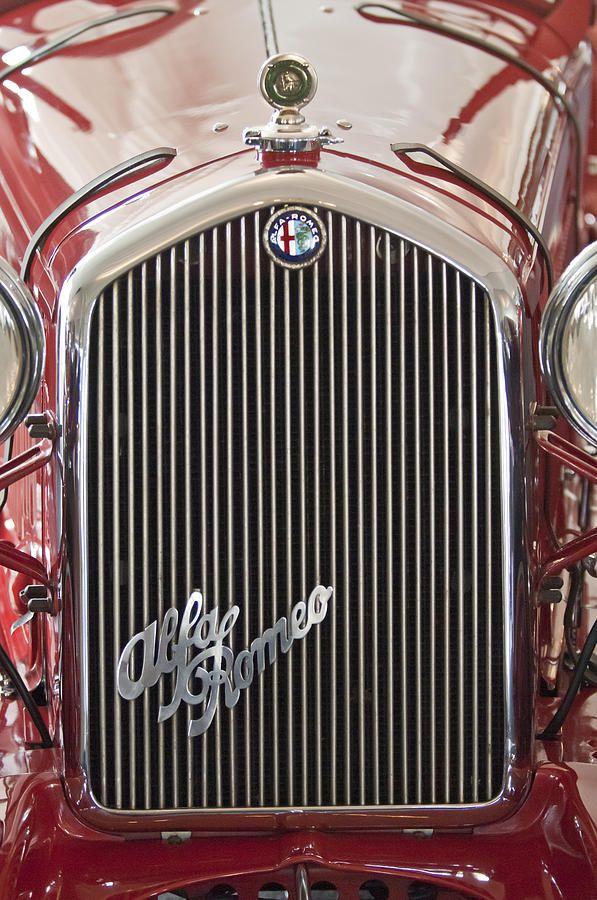 Alfa Romeo Grille Emblem 2 Alfa romeo, Alfa cars