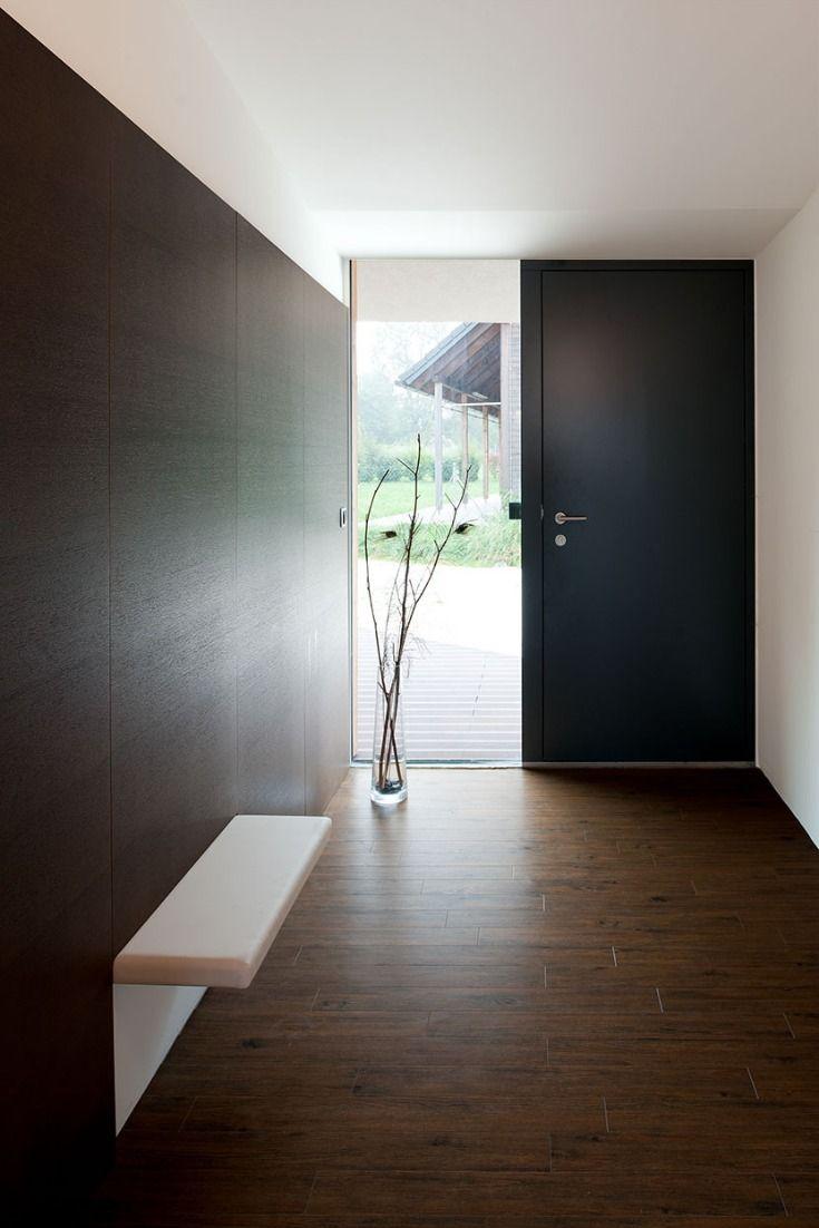Haustür modern mit Seitenteil aus verdunkeltem Glas