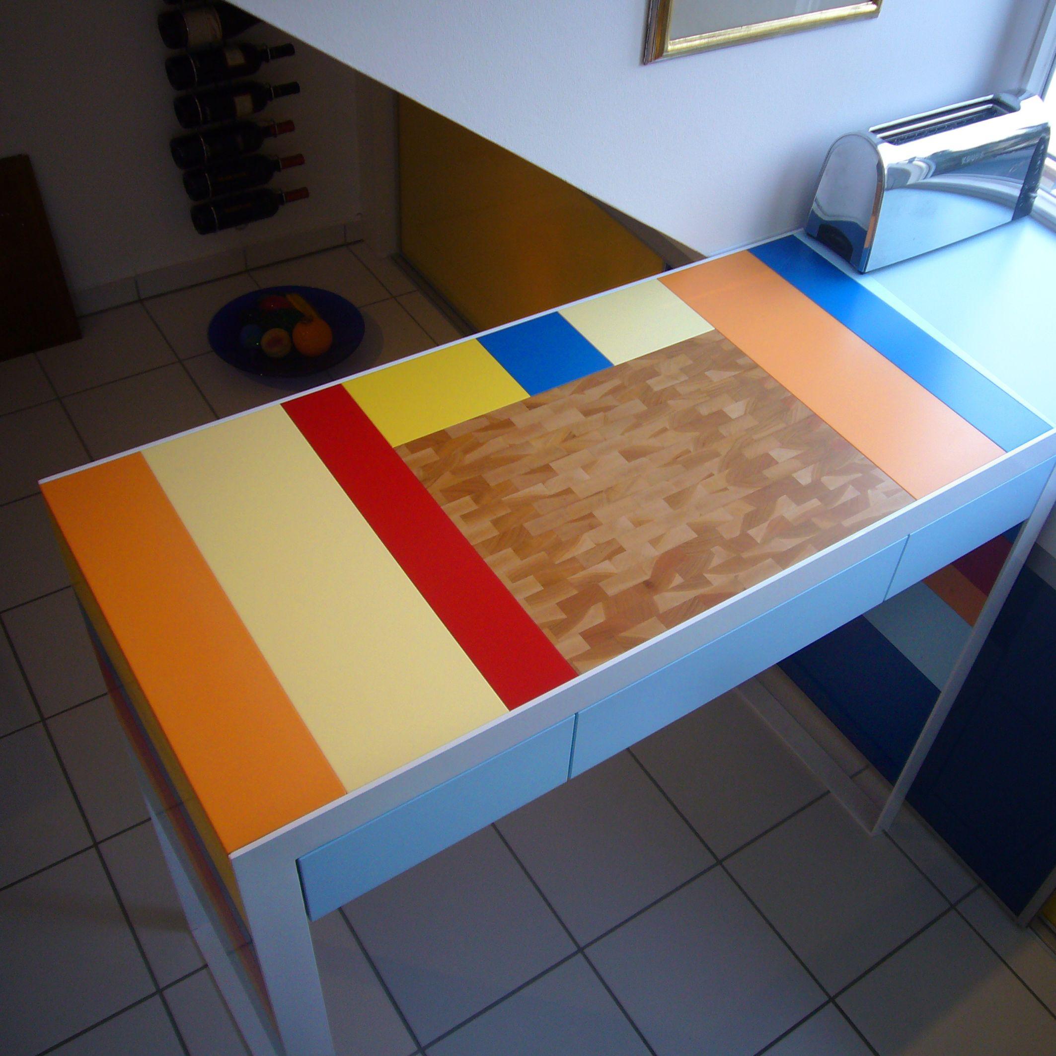 Kuchentisch Farbig Lackiert Mit Eingelassenem Hirnholzbrett In Eiche Kuchentisch Tisch Farbig