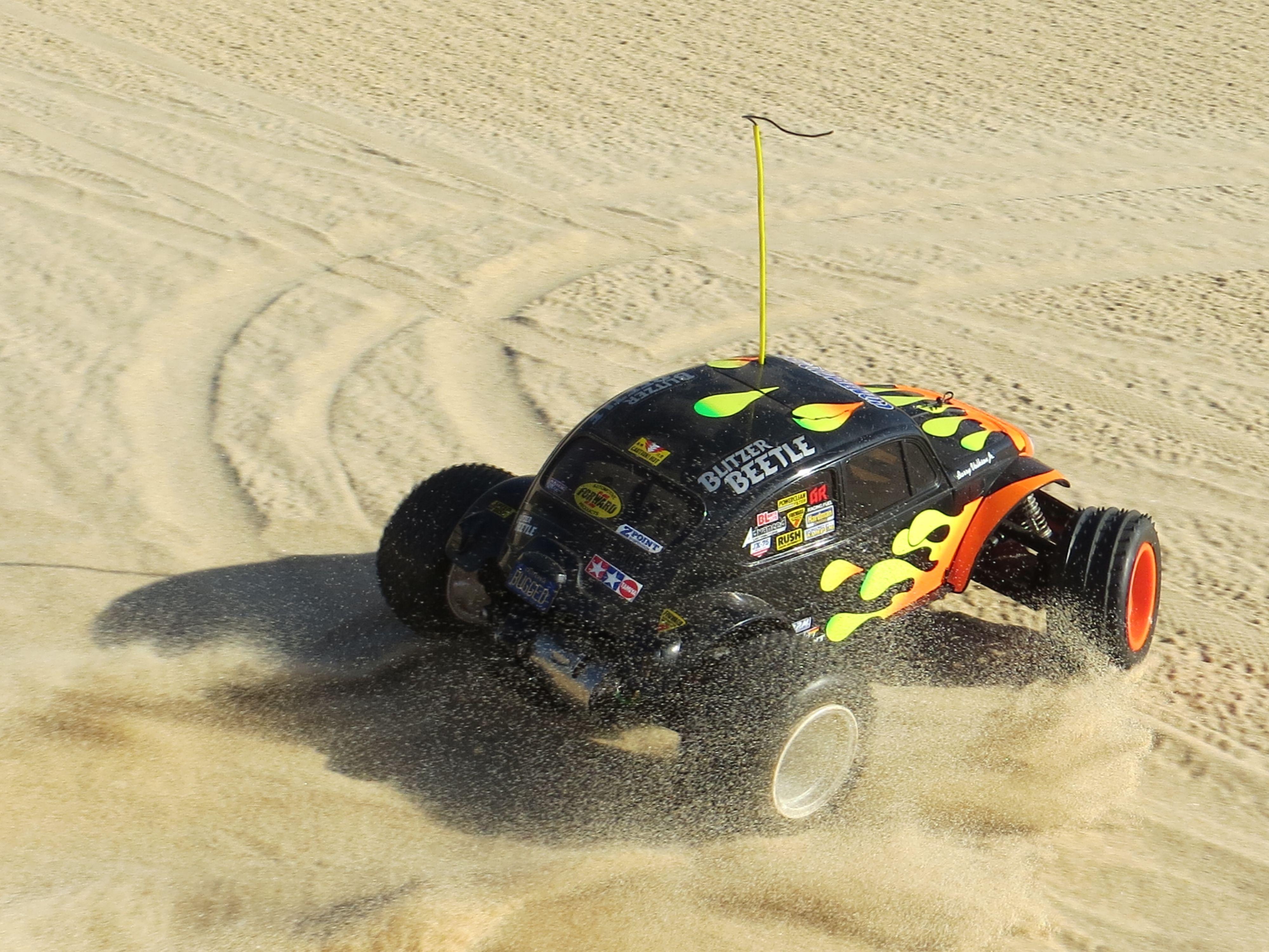 Tamiya Blitzer Beetle kicking up sand on the beach Radio