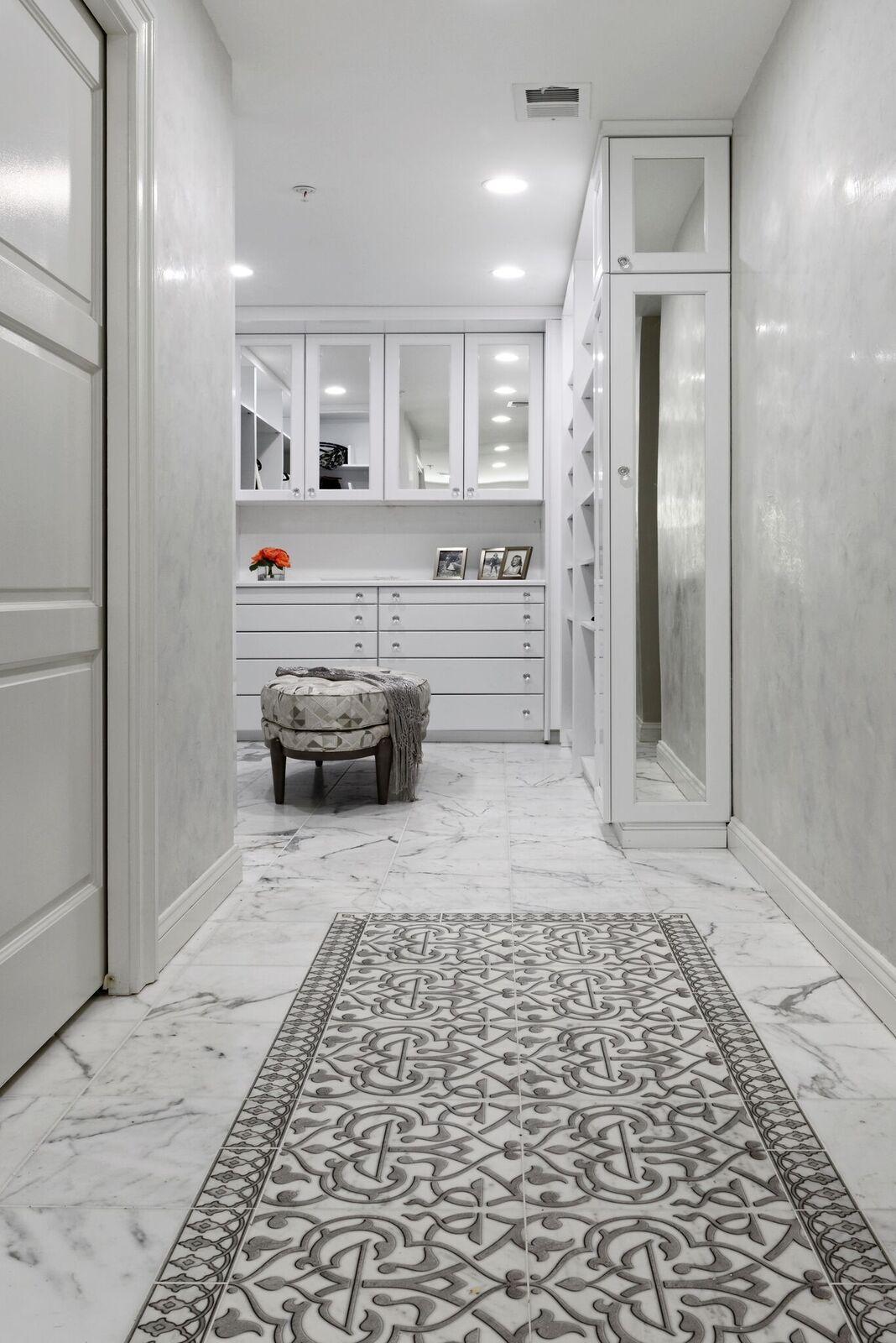Charmed Collection Pattern Tiles Stoneimpressions Tile Rug Elegant Bathroom Rugs Master Bathroom Design [ 1600 x 1068 Pixel ]