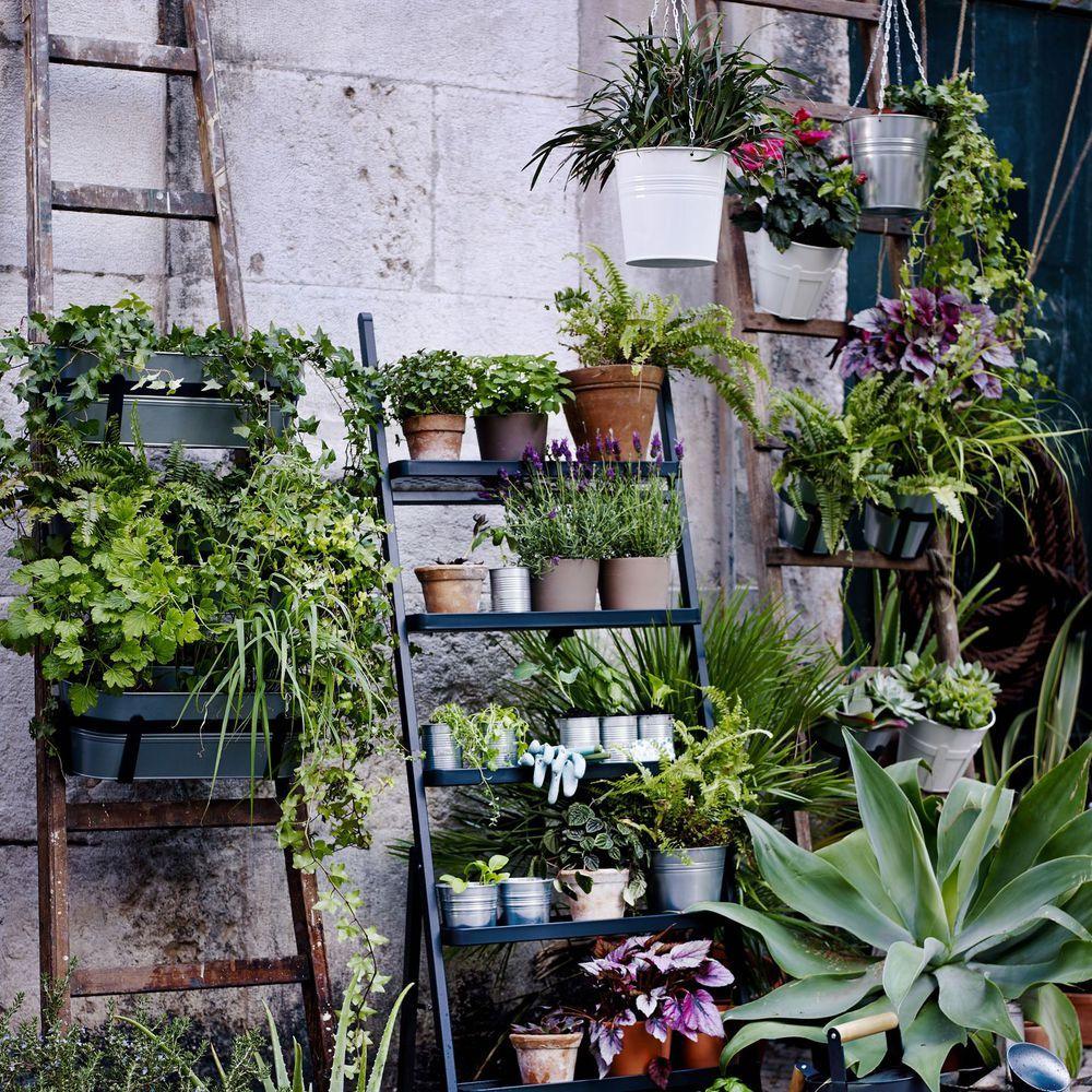 d coration balcon 12 pots de fleurs et jardini res pinterest jardini re suspendue. Black Bedroom Furniture Sets. Home Design Ideas