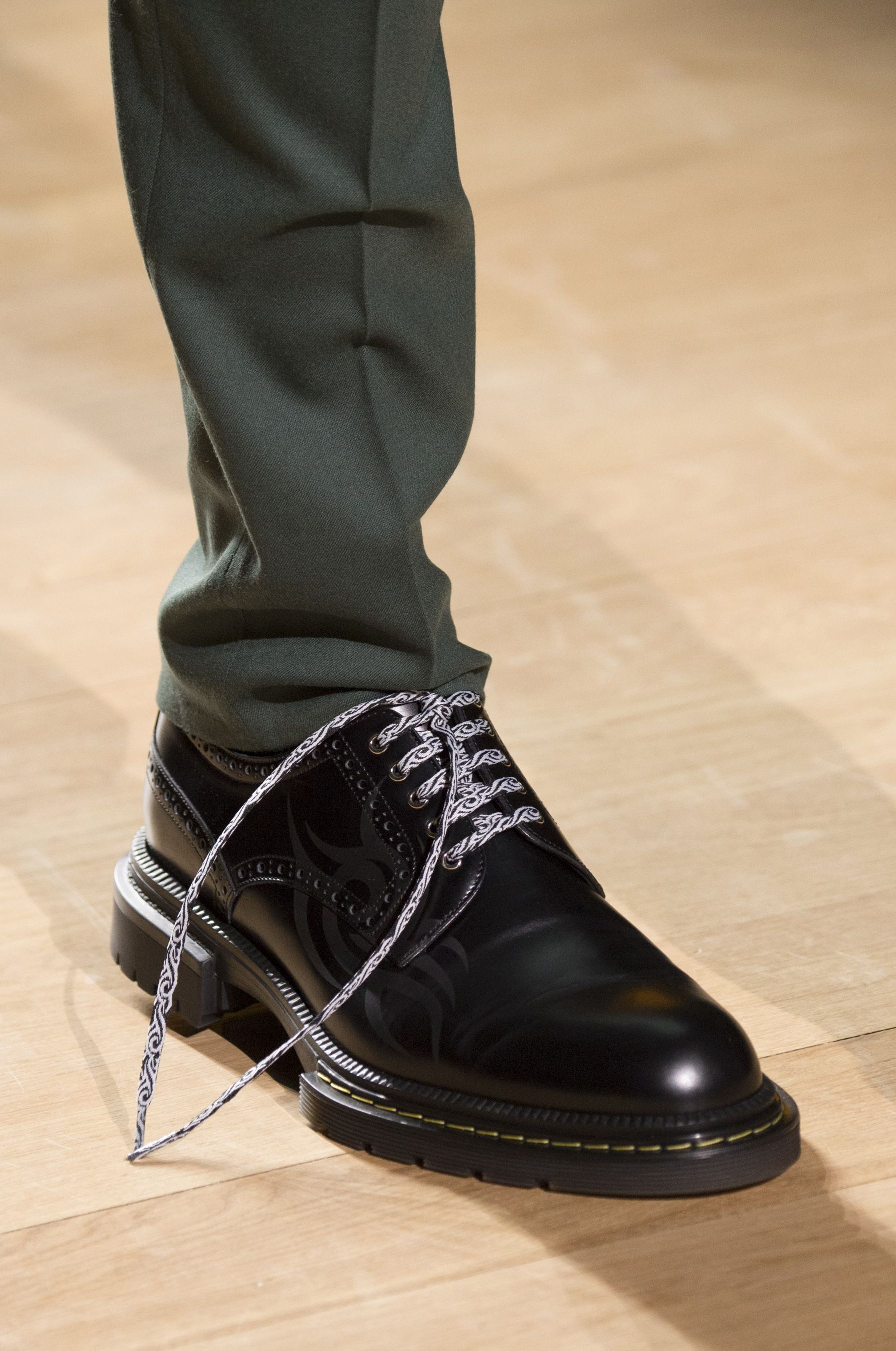 Dior Homme Fall 2018 Men s Fashion Show Details. All the Fall 2018 Paris  Menswear fashion shows in one place. Designer collections, PFWM, runway  reviews, ... 714c7007c38f
