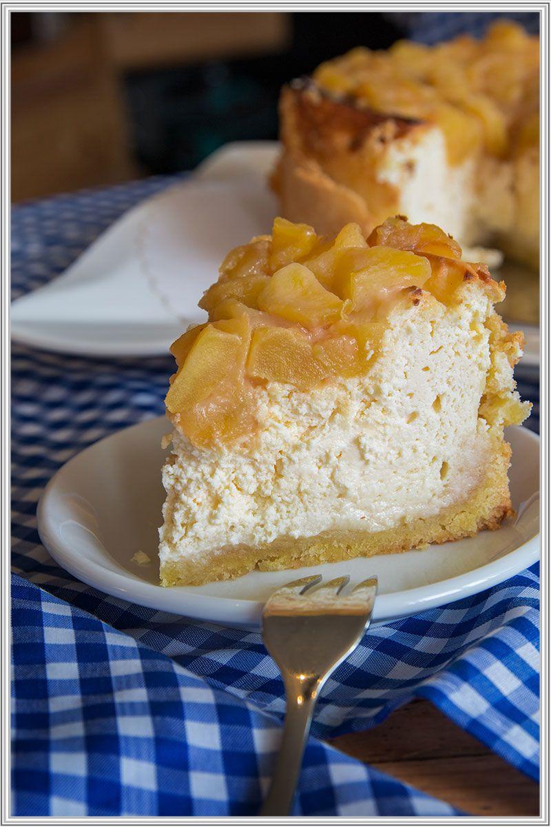 Kleiner Apfel Kase Marzipankuchen Mit Karamell Topping Einfach Himmlisch Kuchen Rezepte Blechkuchen Kuchen Kleine Kuchen Backen