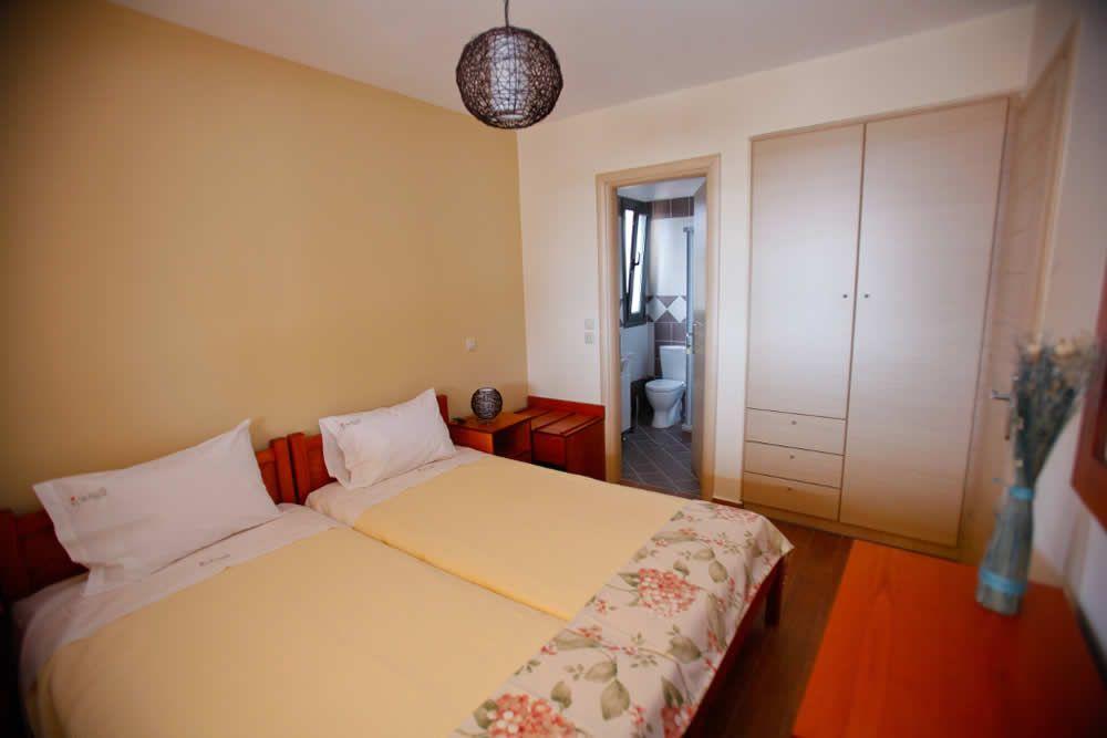 2nd bedroom of Villa Thalia Korallis Villas Kefalonia www.korallisvillas.gr