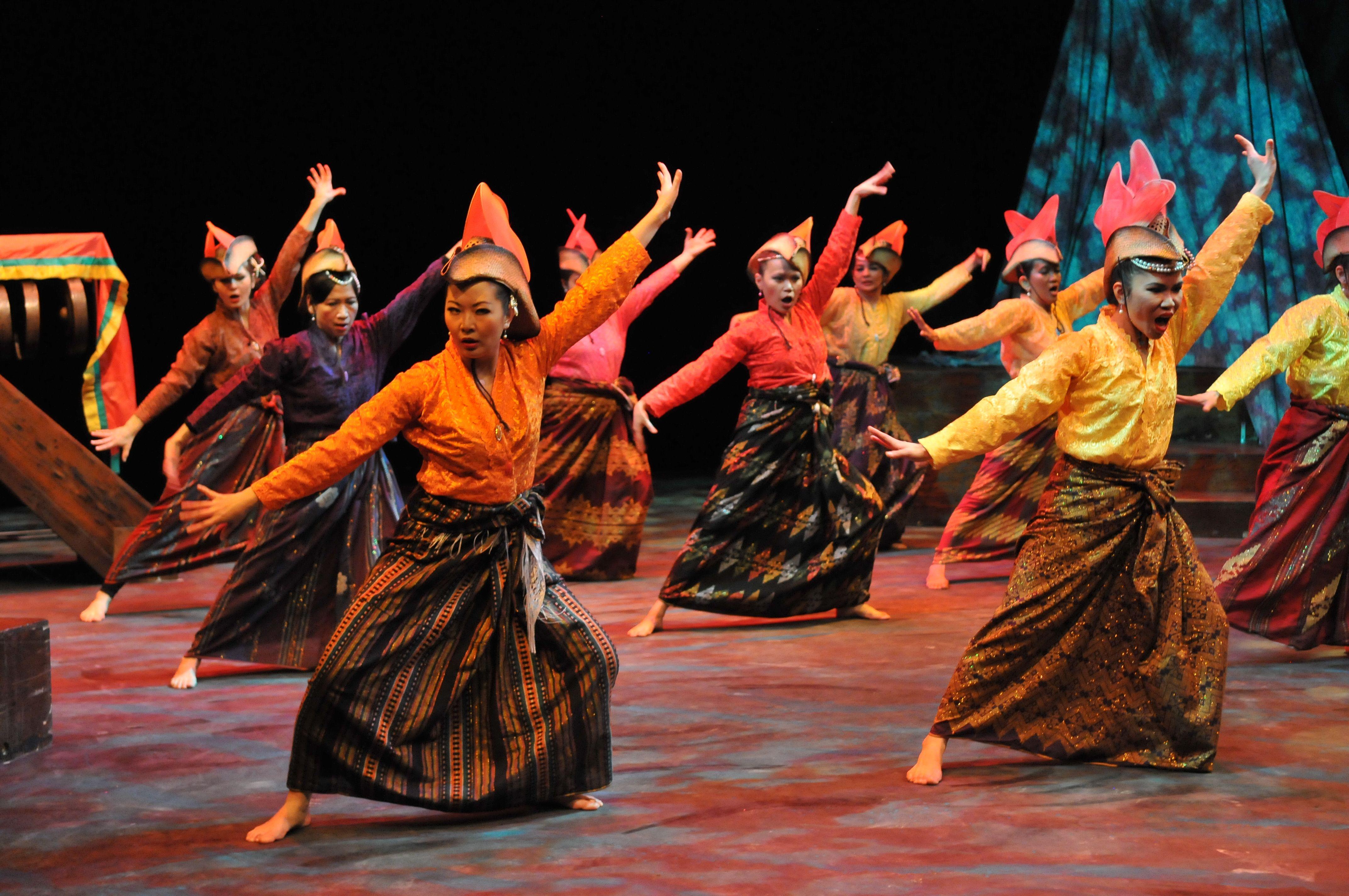 Parangal dance company philippine folk dance - Kinding Sindaw At Pagbabalik Tracing The Path Home Www Kindingsindaw Org Mindanaodance Musicphilippinespaths