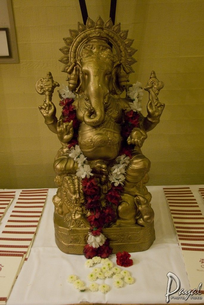 Hindu Weddings No welcoming table is