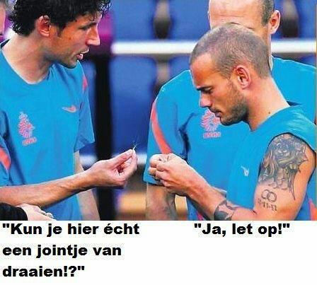 Wesley Sneijder & Mark van Bommel Jointje