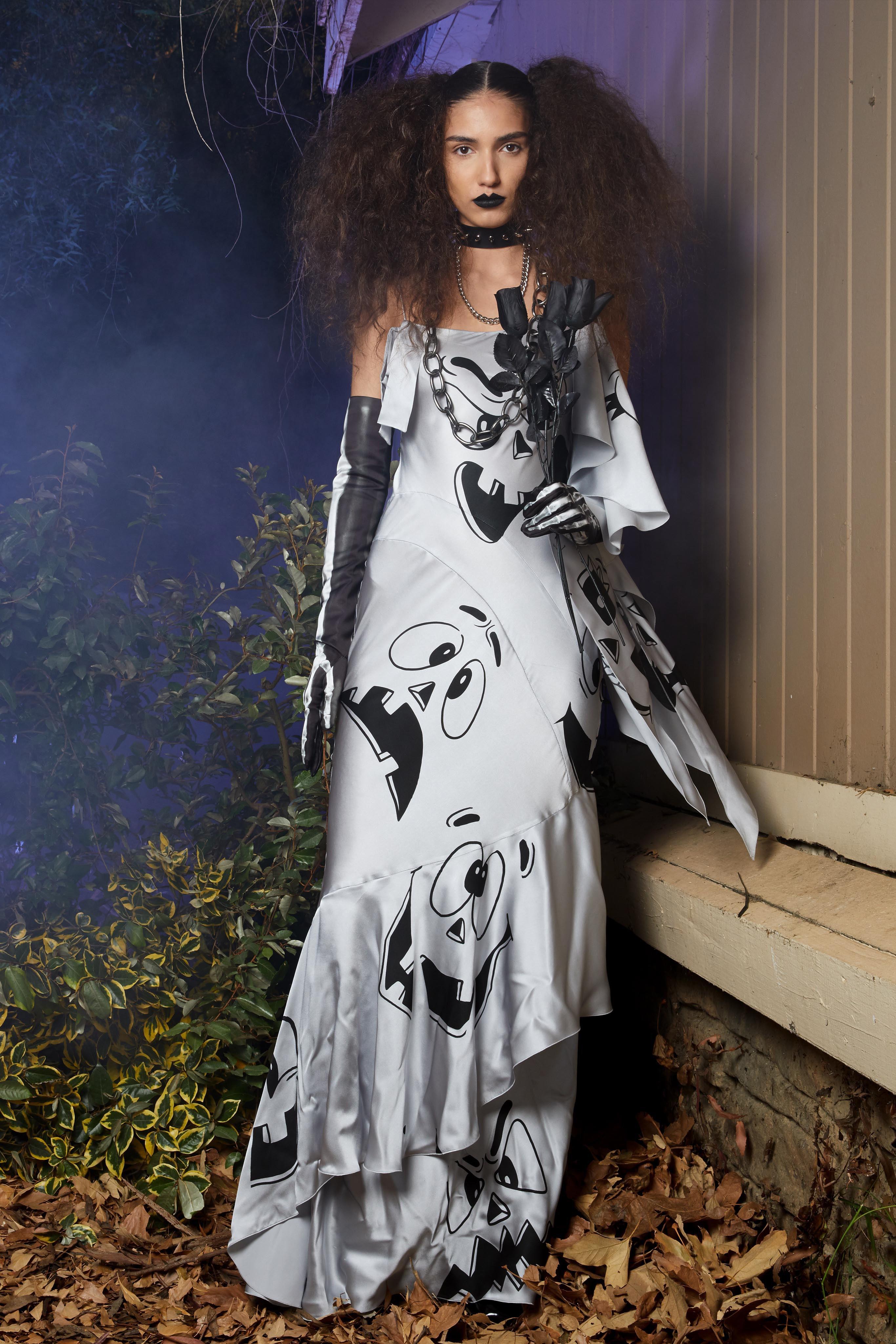 Halloween Runway Show 2020 Moschino Resort 2020 Collection   Vogue | Fashion, Fashion show