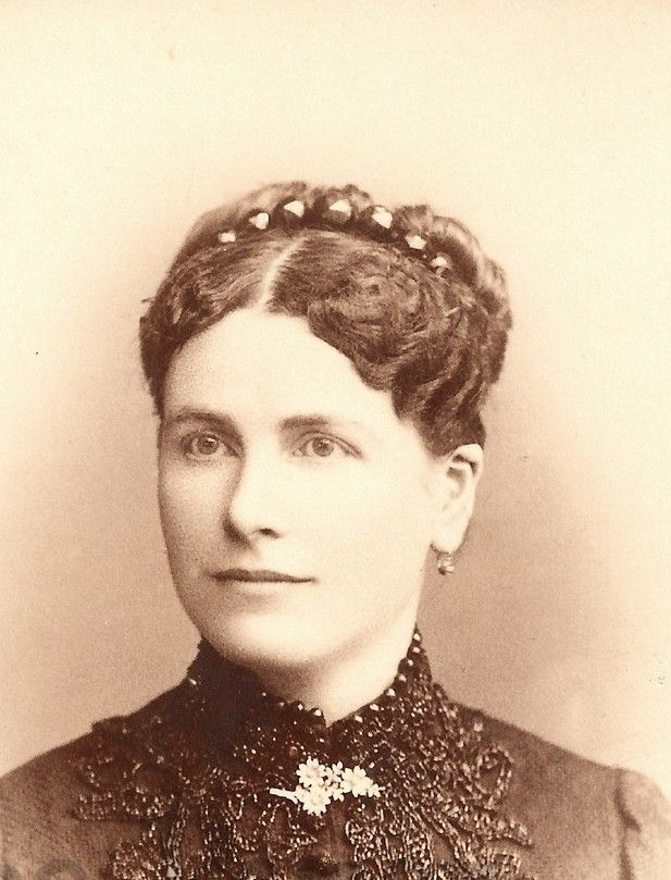 Victorian Carte De Visite C 1880 Showing Hinged Tiara Comb With