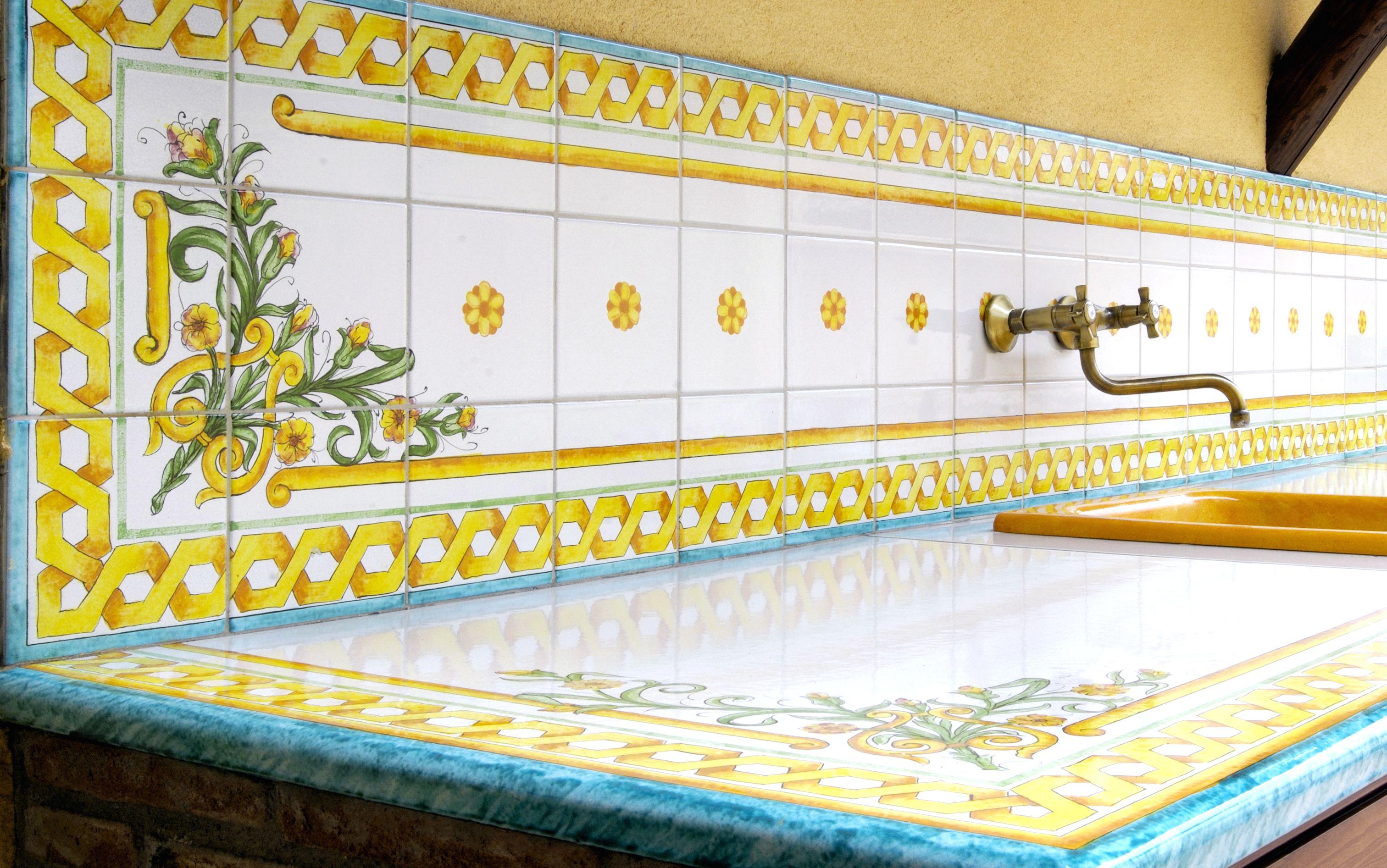 Piastrelle con decori siciliani home pavimenti rivestimenti