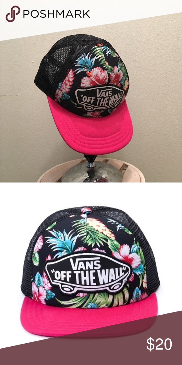 d0561eeeee Vans Off the Wall Floral Pink and Black brim hat From when I worked at  Journeys has a protectant on it and will give it another one before sent.  Hawaiian ...