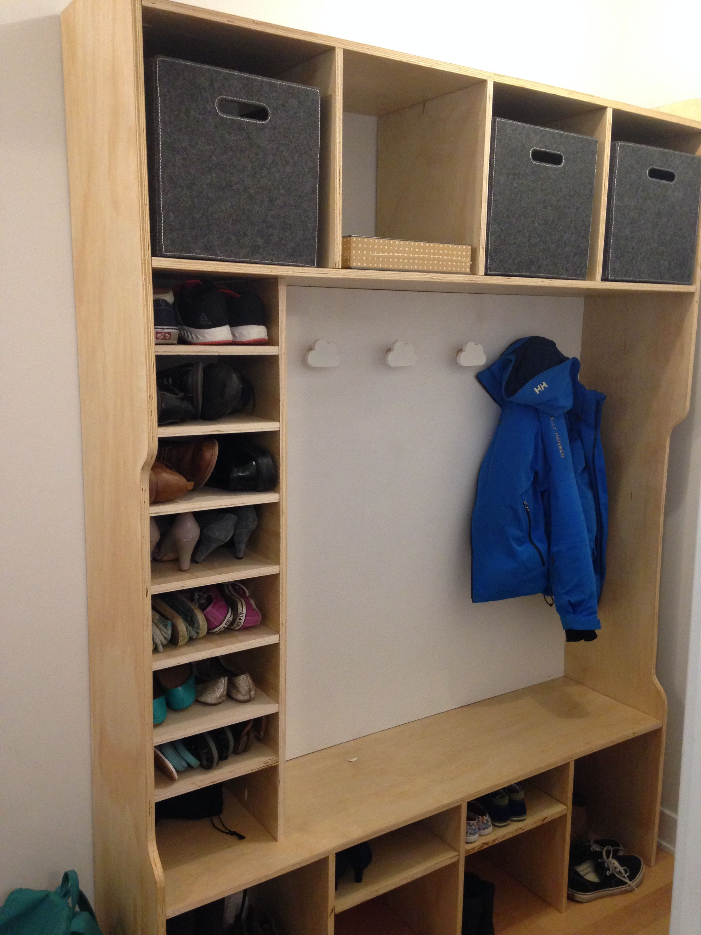 Ana white entrance bench mudroom diy projects