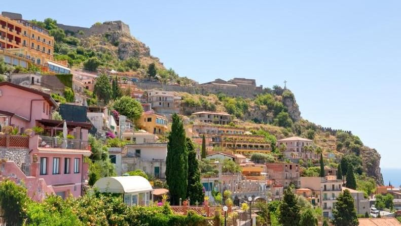 Taormina and castelmola Sicily, House styles, Mansions