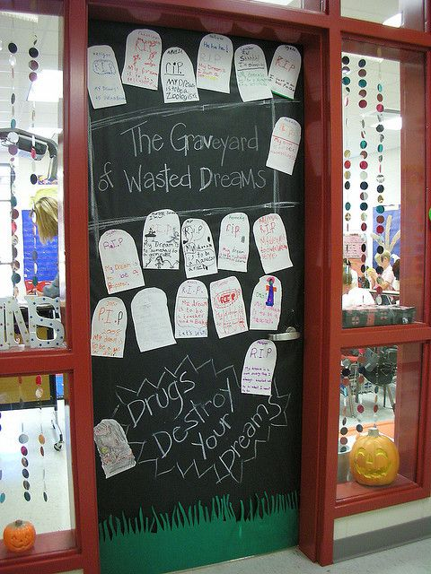 Door Decorations for Red Ribbon Week | Red Ribbon Week ...