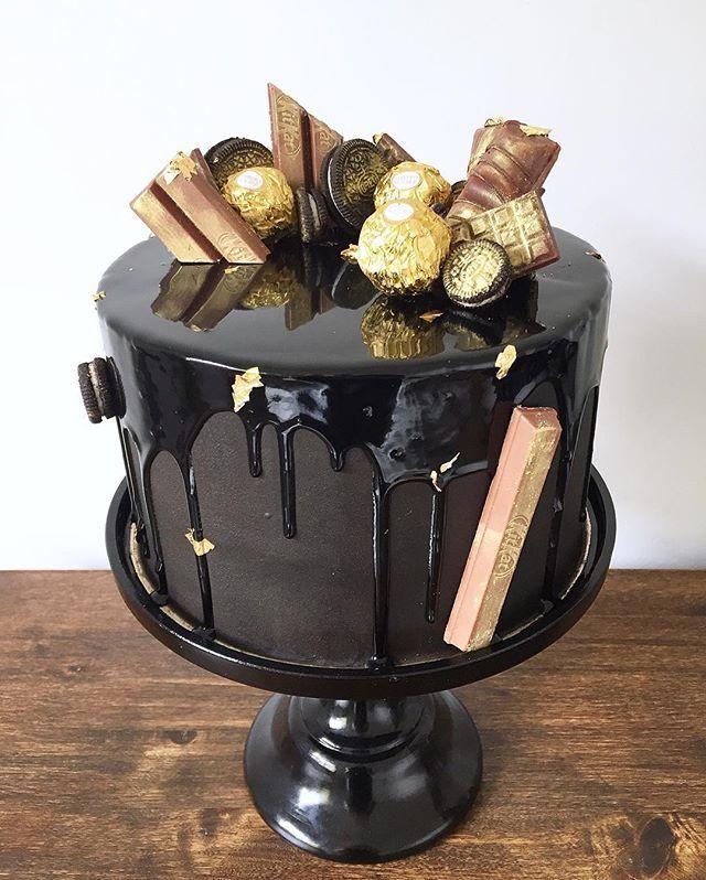 Black Gold Cake Adentro es torta de chocolate con relleno de