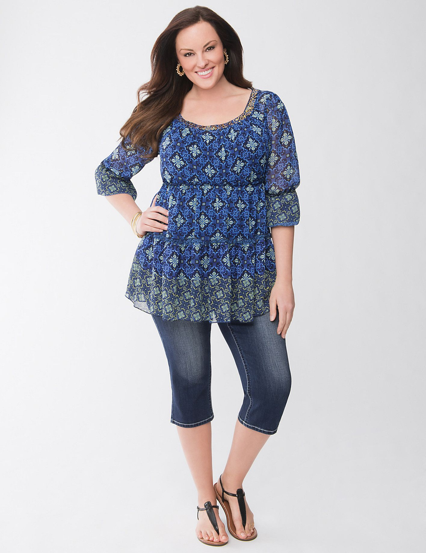 The cutest #spring outfit with a #plus #size peasant tunic, denim capris