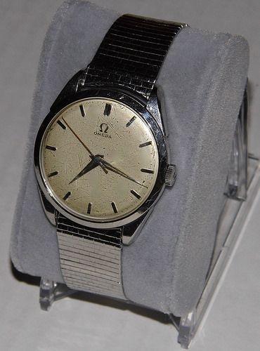 Vintage Omega Men S 17 Jewel Wrist Watch Swiss Made Circa 1950s Women Wrist Watch Vintage Omega Vintage Watches