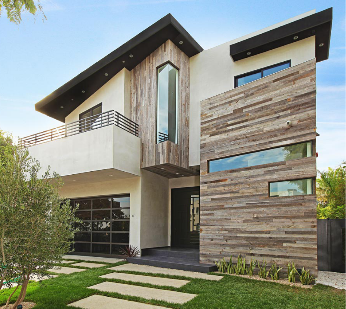Modern House Exterior Materials: Reclaimed Wood And White Stucco Exterior
