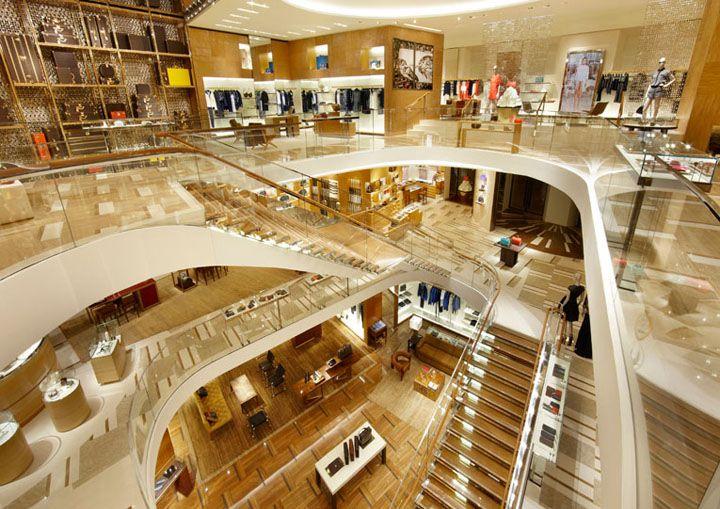 Louis Vuitton Étoile Maison by Peter Marino, Rome