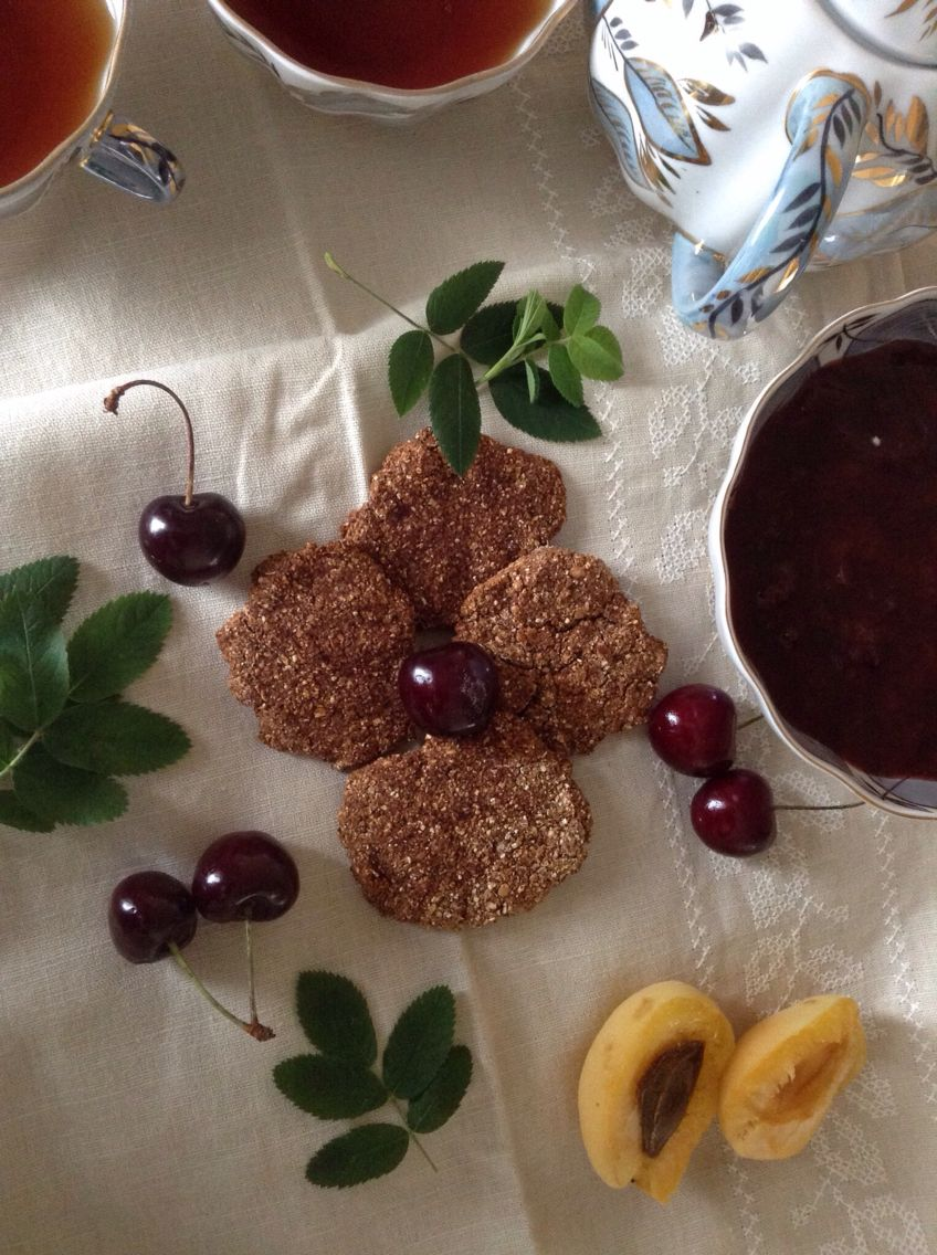 Diet cookies (oatmeal and dates)