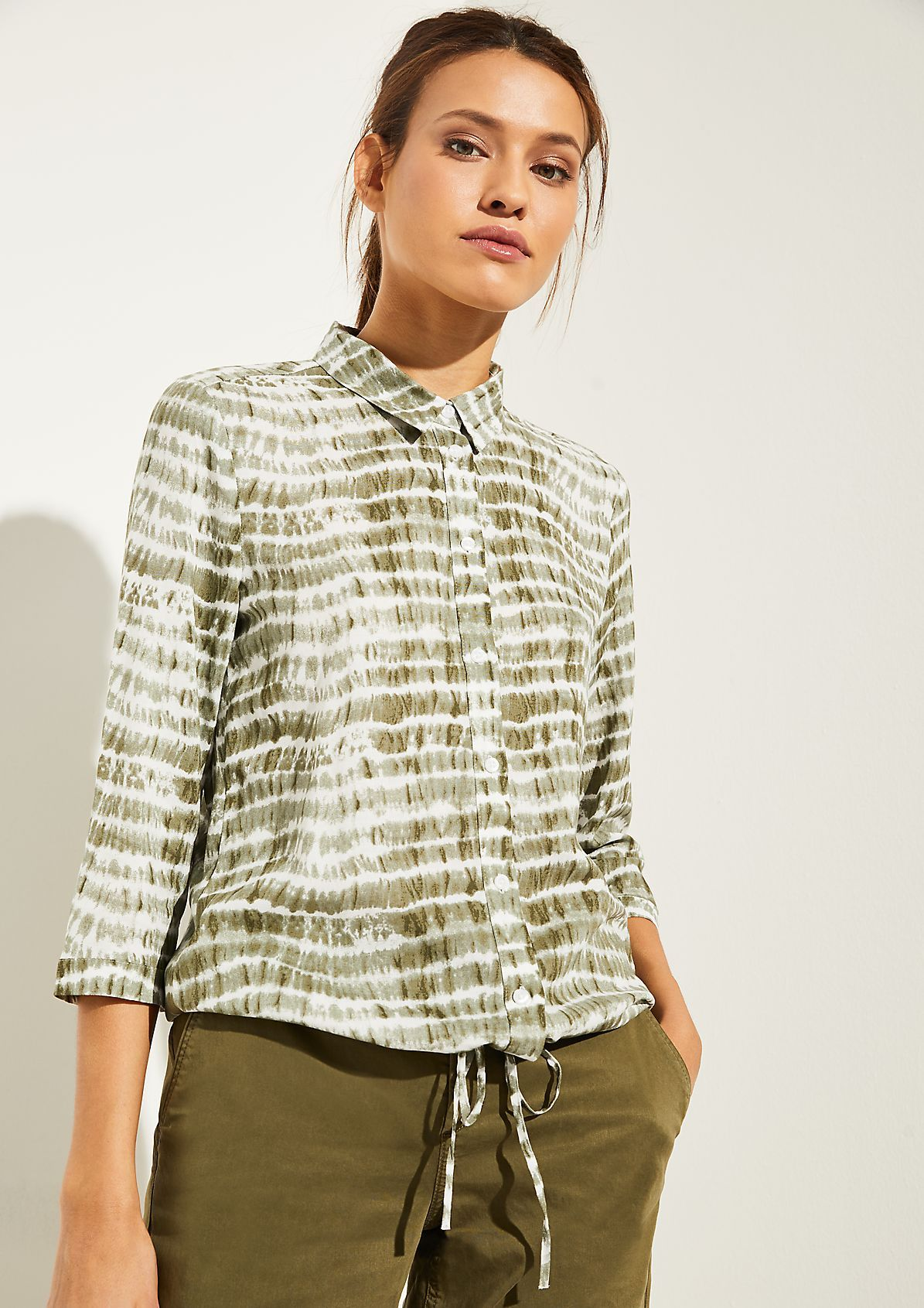 comma Blouse in a batik look with drawstring ties