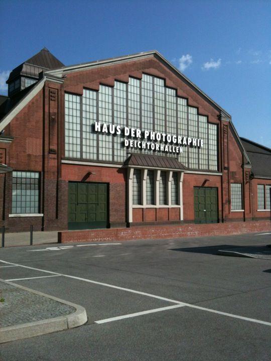 Deichtorhallen …. Fotoausstellungen und Fotobuchladen … Haus der Fotographie