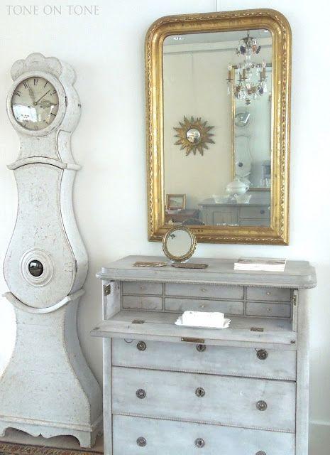 Ironstone Harmony In White Swedish Interior Design Antique Living Rooms Swedish Gustavian Furniture