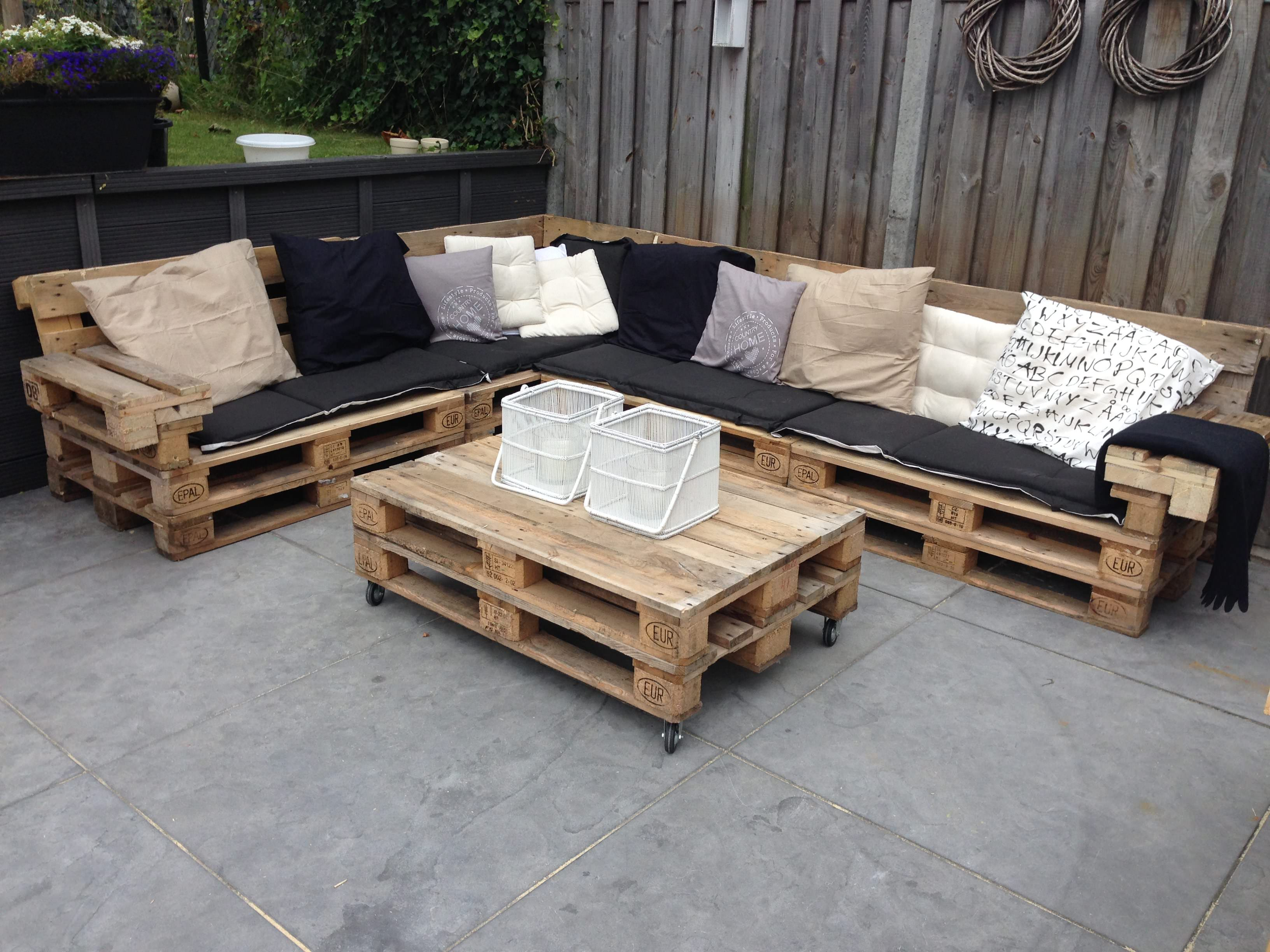 Complete Lounge Set Made Out Of Reclaimed EURO Pallets.